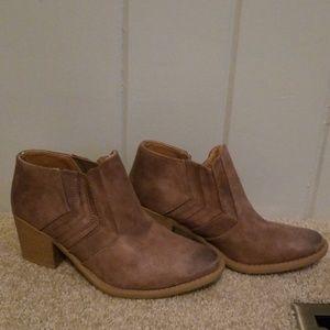 Light brown booties